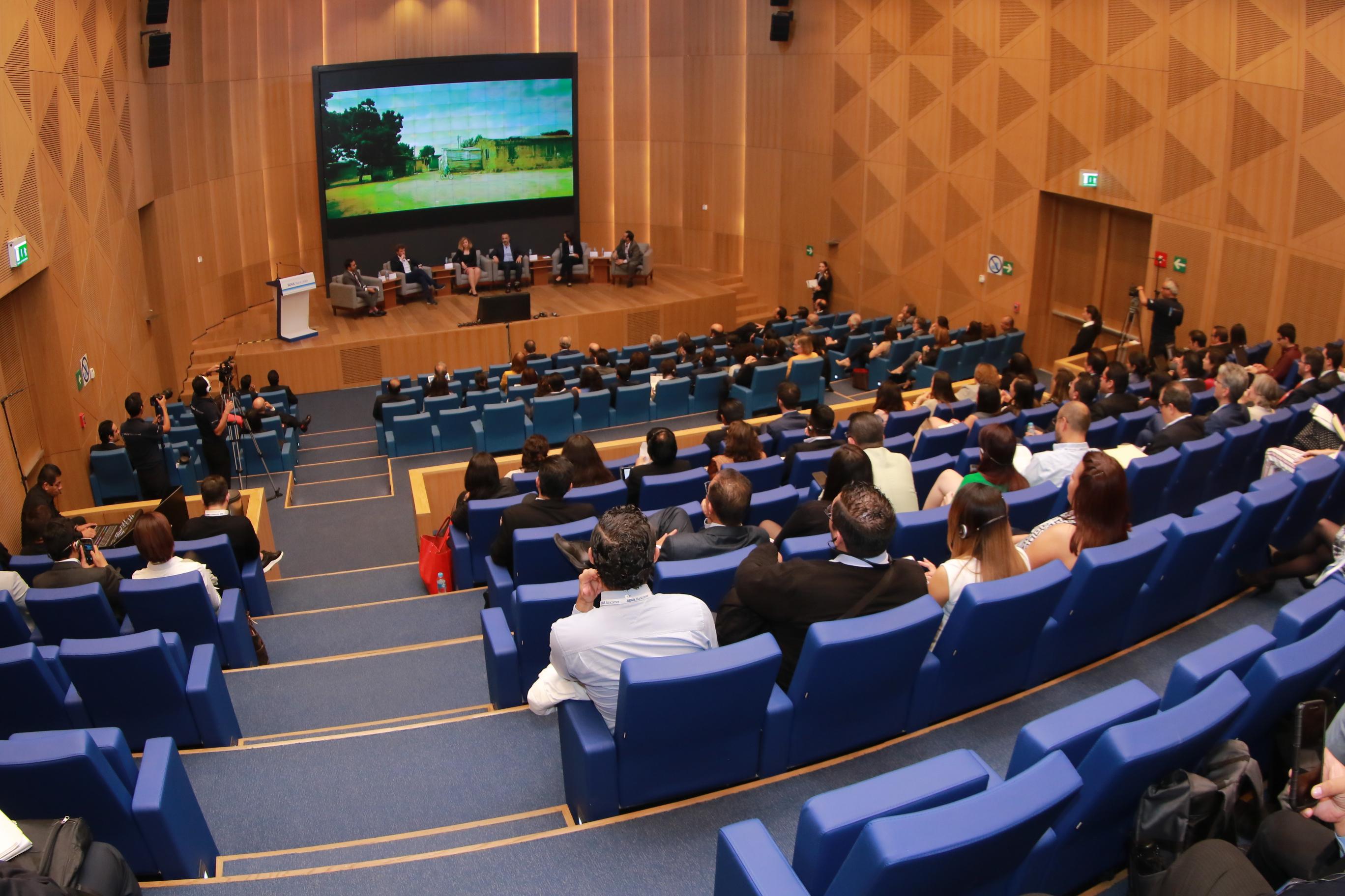 Panel de Iniciativas de éxito en Educación Financiera: Innovación dentro y fuera de la era digital