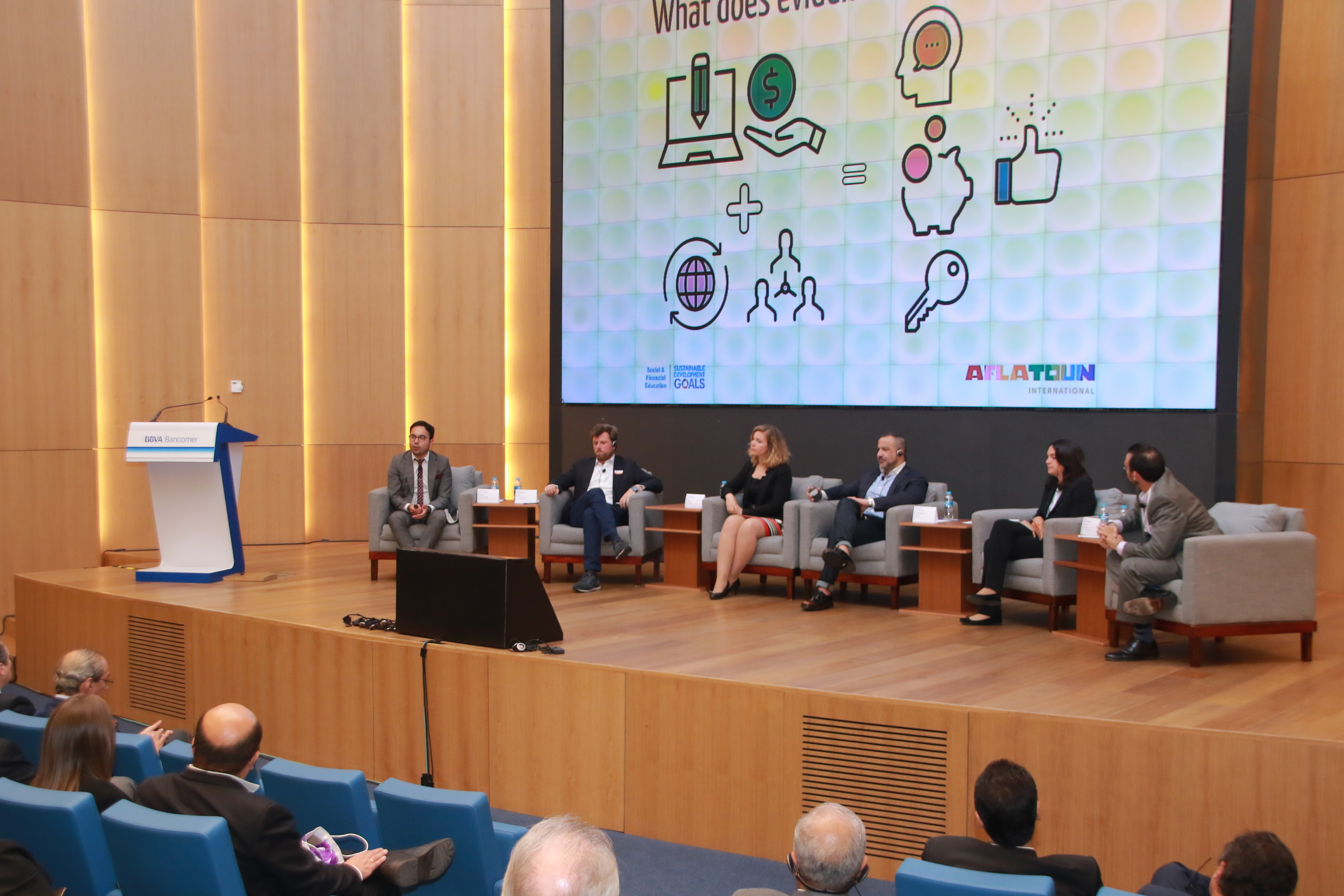 Summary of the session: Successful initiatives on Financial Education: Innovation on and off the Digital Age