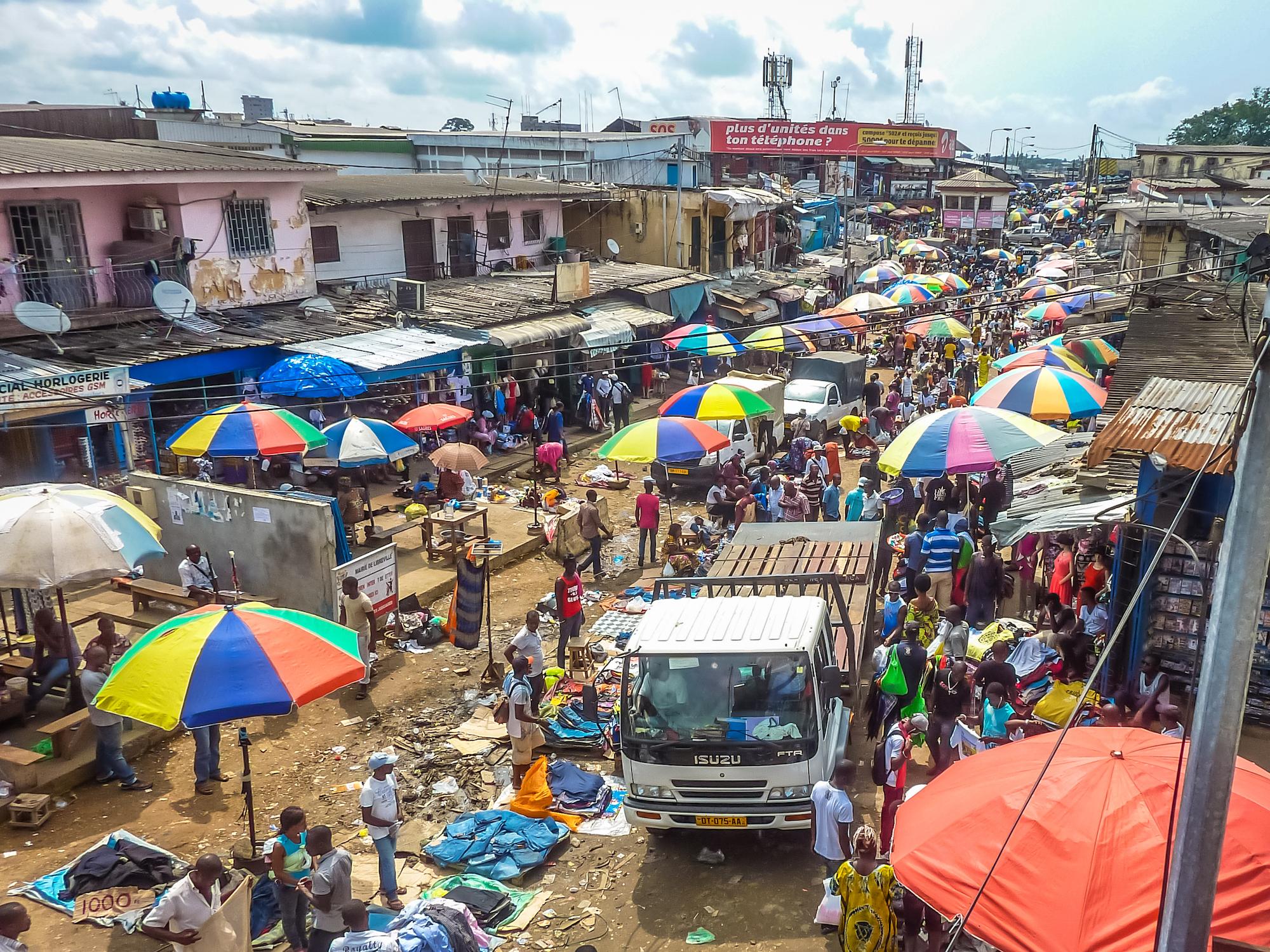 La temperatura de la COVID-19 en los mercados emergentes: Una encuesta para obtener las primeras percepciones sobre el impacto en los medios de vida