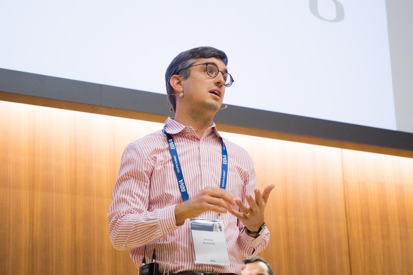 Alfredo Burlando, Profesor Asociado de Economía, University of Oregon