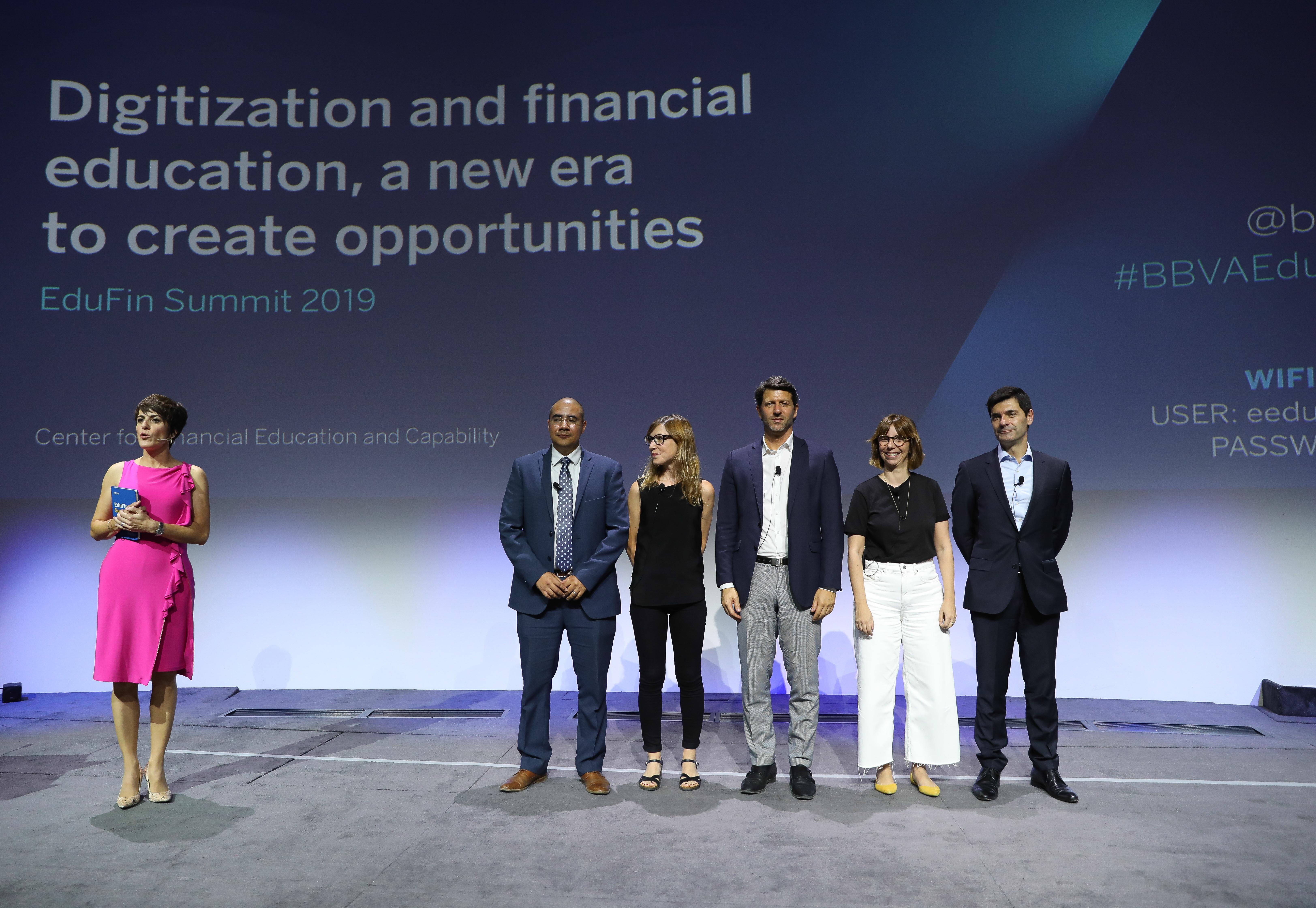 EduFin Summit 2019 - Pequeñas grandes historias: pantallas que crean oportunidades.