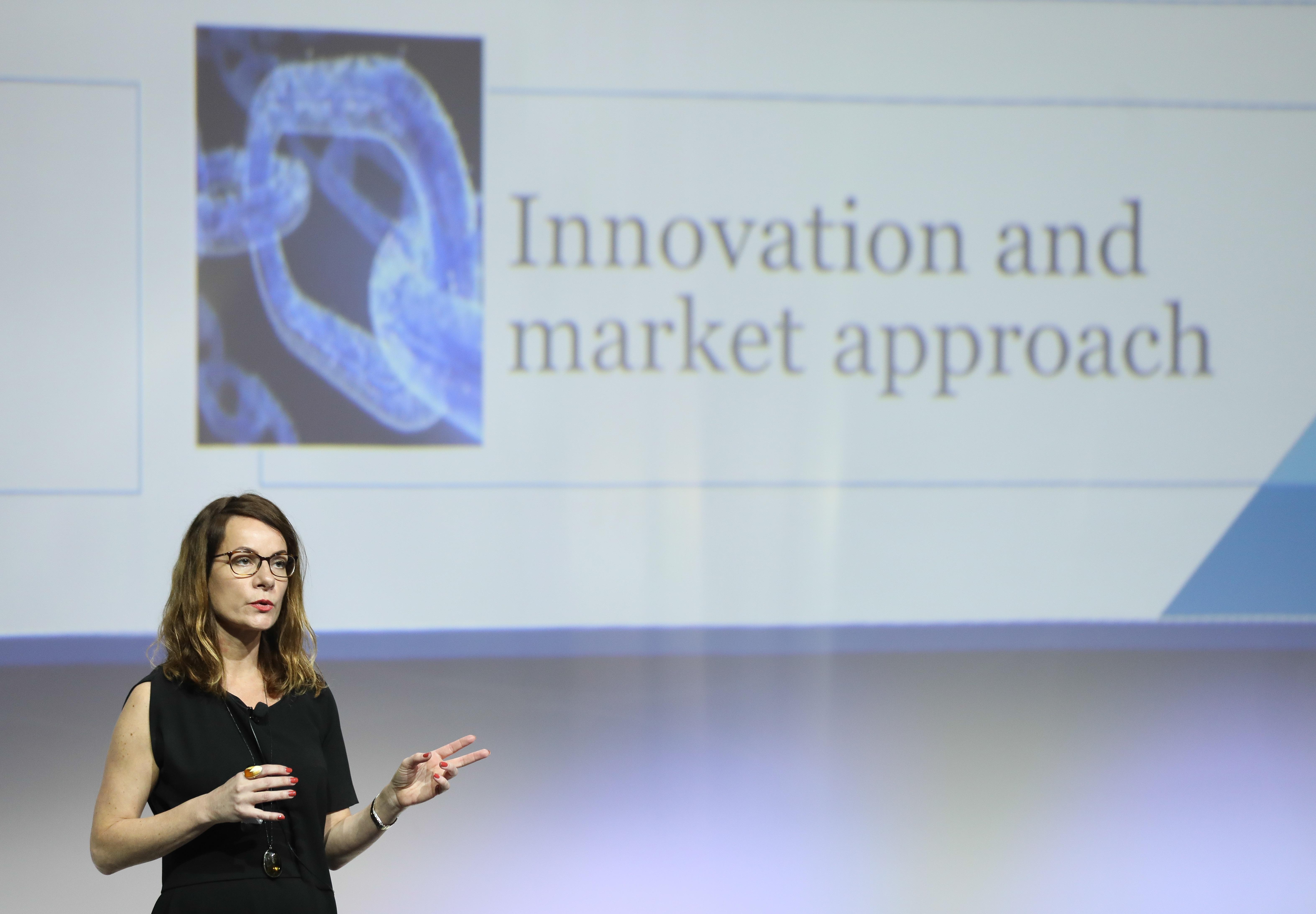 Flore-Anne Messy, jefa de la División de Asuntos Financieros, Organización para la Cooperación y el Desarrollo Económicos (OCDE)